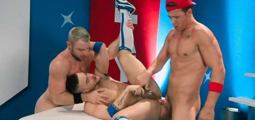 Gear Play - JJ Knight & Nick Sterling & Beaux Banks