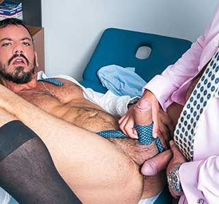 Joe Gillis is having some discomfort in one of his testicles and goes to Dr. Leo Rosso's clinic for an examination. In the examination room, Leo asks Joe to drop his pants.